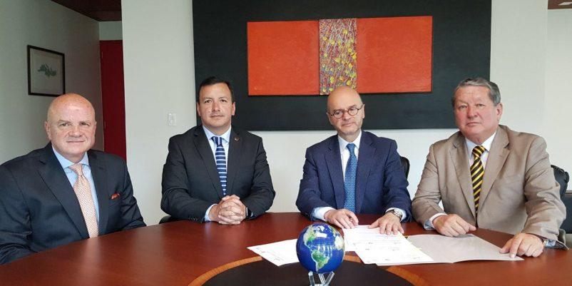Hospital Santa Inés firma convenio con la Universidad de las Américas – UDLA